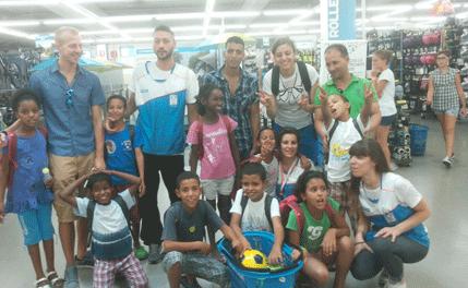 Sono arrivati i piccoli sahrawi nuoto giochi all for Piscina olimpia sesto san giovanni nuoto libero